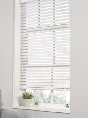 Faux Wood Blind white