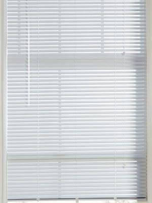 white Aluminium Venetian Blind