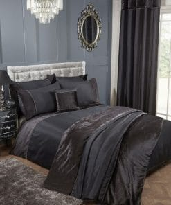 Velvet Trimmed Duvet Set in Black