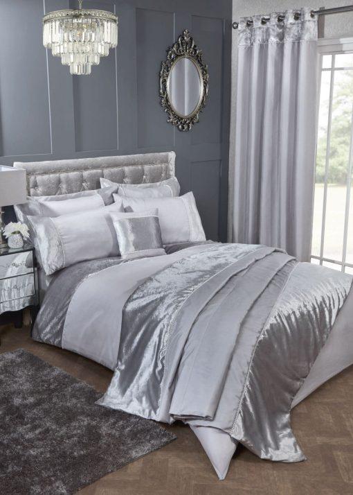 Velvet Trimmed Duvet Set in Silver