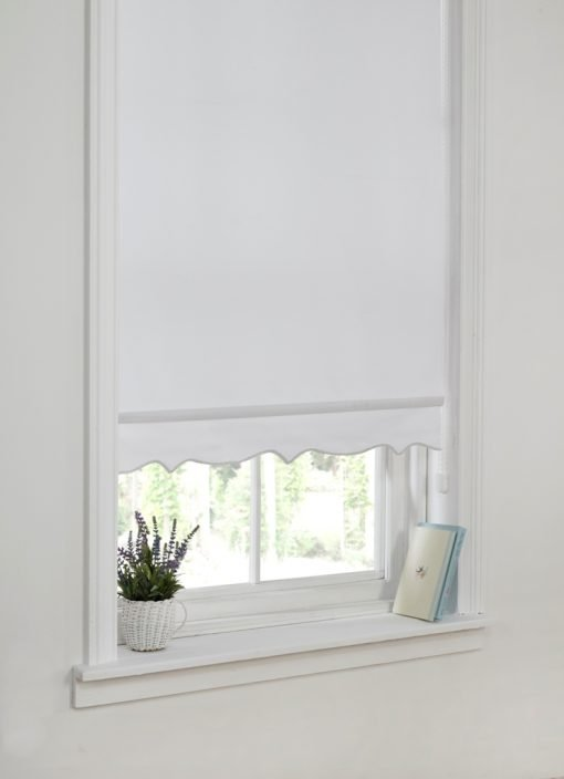 Scalloped Edge Blind White