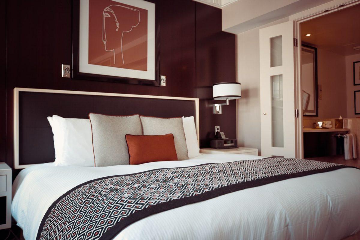 Polyester bedding